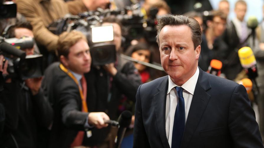 Дейвид Камерън заплашва с излизане на Великобритания от ЕС, заради Юнкер