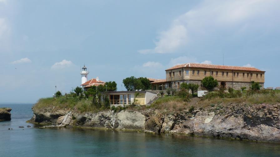 Голяма вълна затвори остров Св. Анастасия