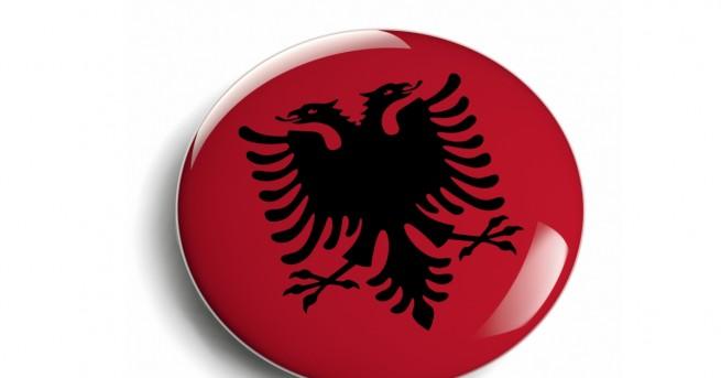 """Европейският съюз предупреди Албания да """"не се меси"""" в работите"""