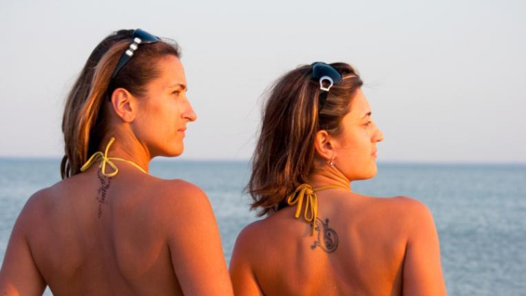 татуировка лято плаж жени