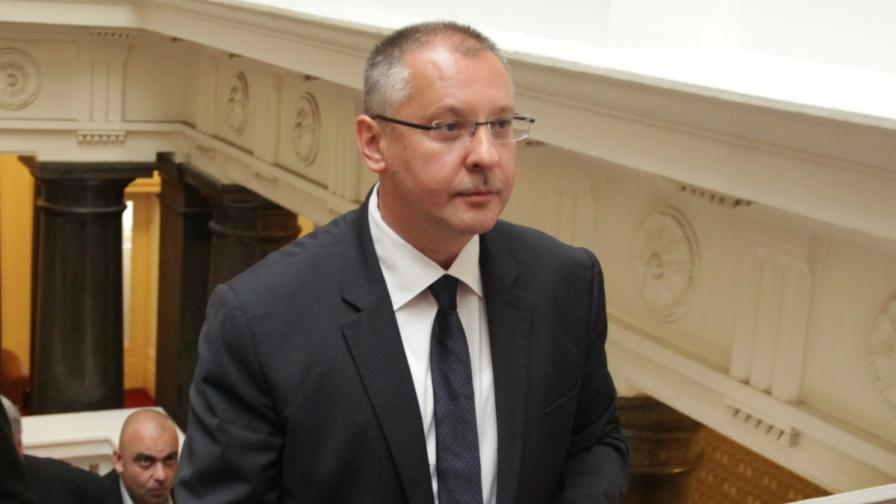 Станишев: Няма да има нито ден без правителство