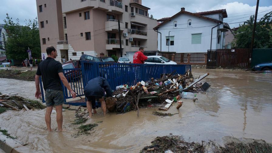 България се бори с юнските бедствия