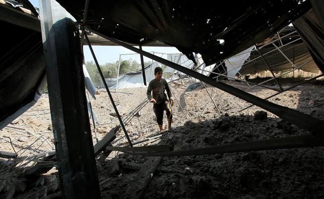 Седем души загинаха при израелски въздушни нападения в Газа