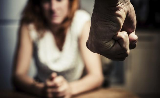 Всяка вечер българката е била бита и изнасилвана от подсъдимия