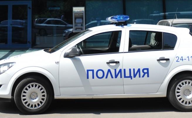 Неизвестни се опитаха да оберат банкомат в София