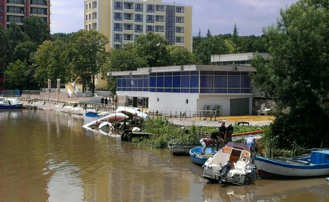 Бедствено положение в Приморско, две реки преляха