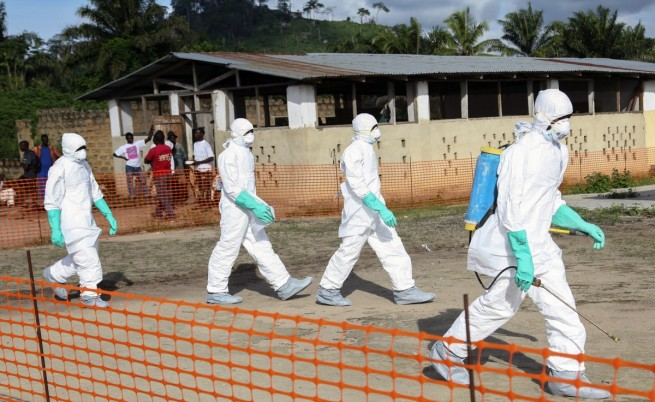 Въоръжени принудиха 29 болни от ебола да избягат от болница в Либерия