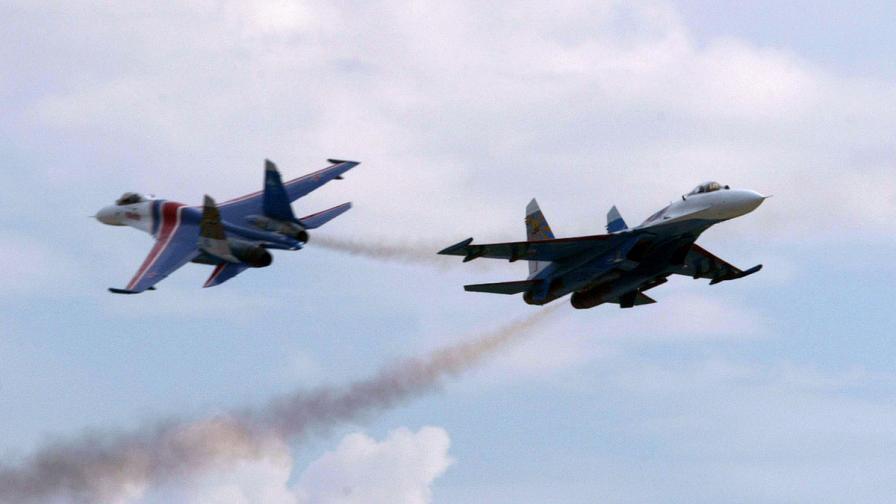 Русия започна военни учения с над 100 самолета близо до границата с Украйна