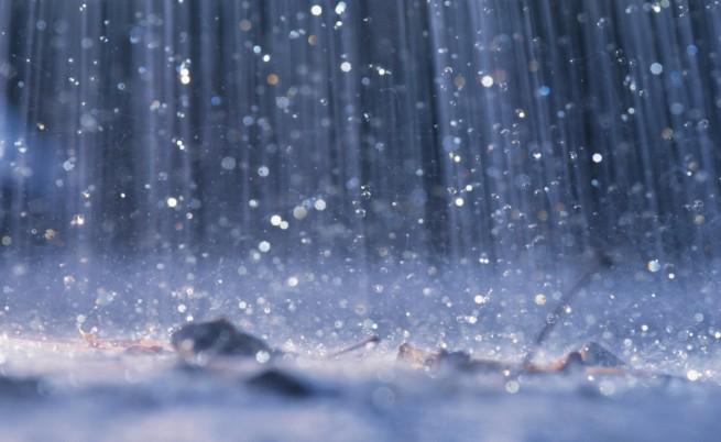 Жълт и оранжев код за страната заради дъждовете