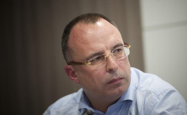 Порожанов започва с анализ на държавните финанси