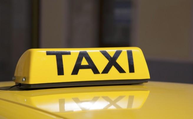 КЗК: Минимални цени на такситата ограничават конкуренцията
