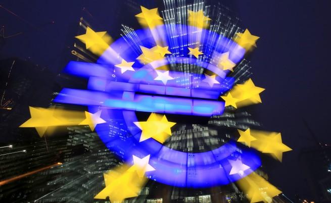 ЕК: Ниските цени на петрола ускоряват икономиката на ЕС