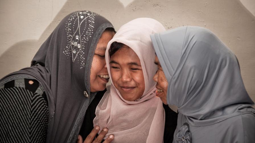 Откриха момиче, изчезнало в цунами през 2004 година