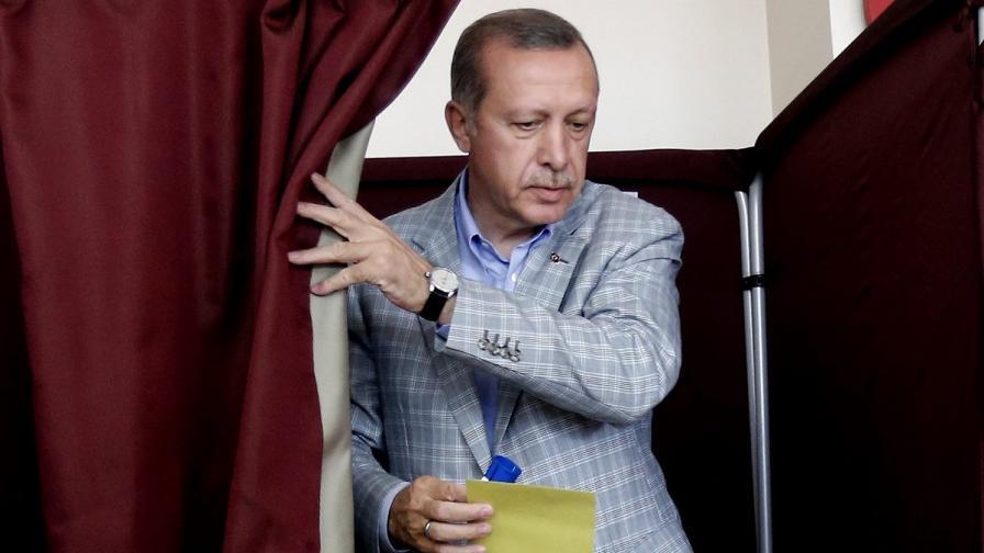 """ОССЕ: Ердоган е разполагал с """"явно предимство"""""""