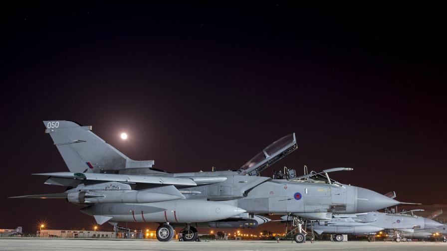 Лондон изпрати изтребители да оказват помощ в Ирак