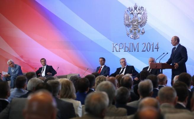 Путин в Крим: Ще направим всичко, за да спре конфликтът в Украйна