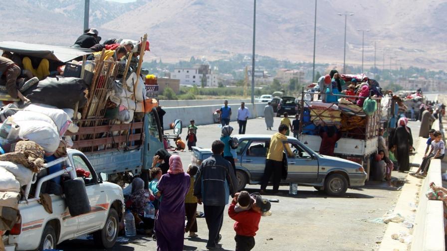 Сирийските бежанци станаха над 3 млн.