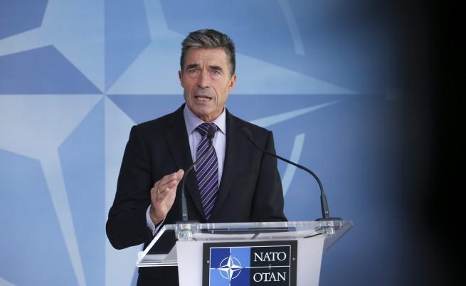 Расмусен: Русия нарушава крещящо суверенитета на Украйна