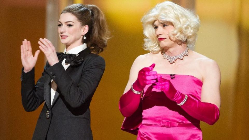 Актьорите Ан Хатауей и Джеймс Франко бяха водещи на тазгодишната церемония за раздаването на наградите Оскар