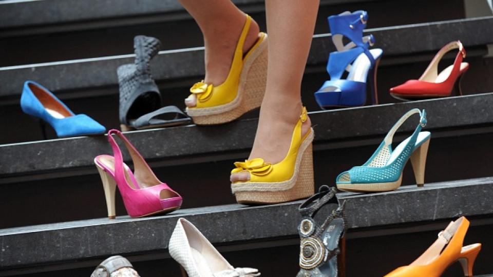 Всяка жена иска да има много обувки