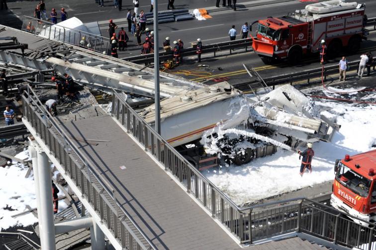 турция истанбул мост срутване