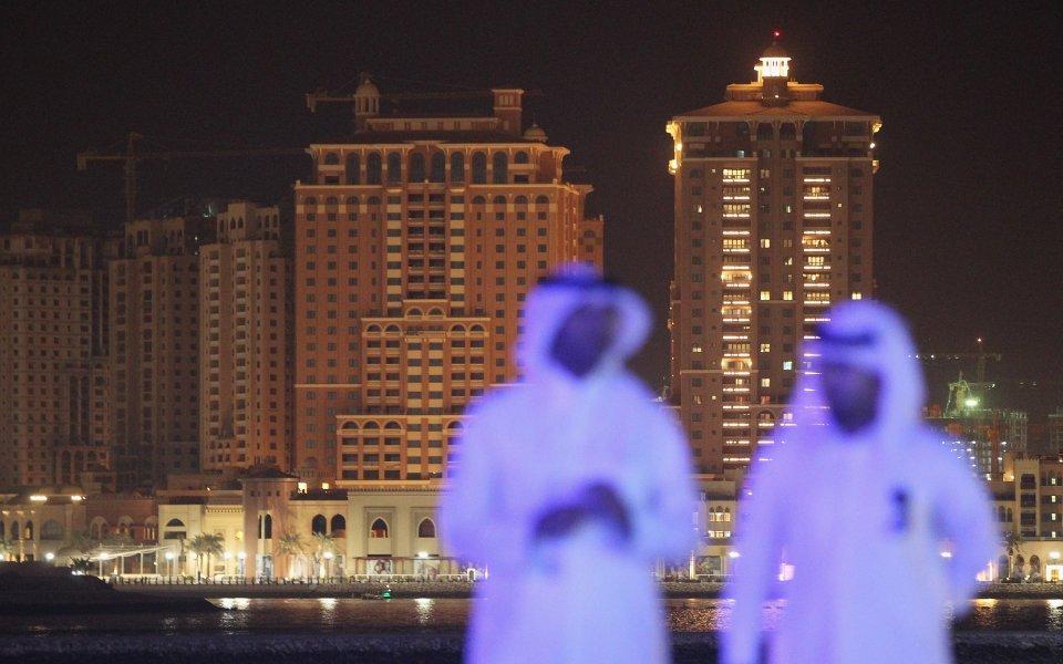 ОАЕ изрази готовност за съвместно домакинство с Катар на Мондиал 2022