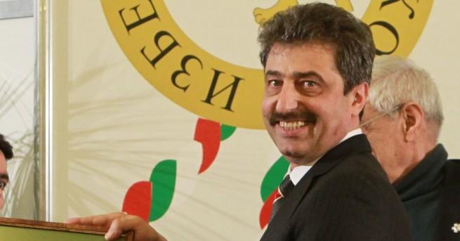 Свят Разпитаха Цветан Василев заради искането на България Разпитът е