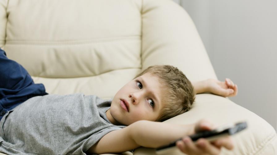 Децата в Европа гледат телевизия по два часа дневно