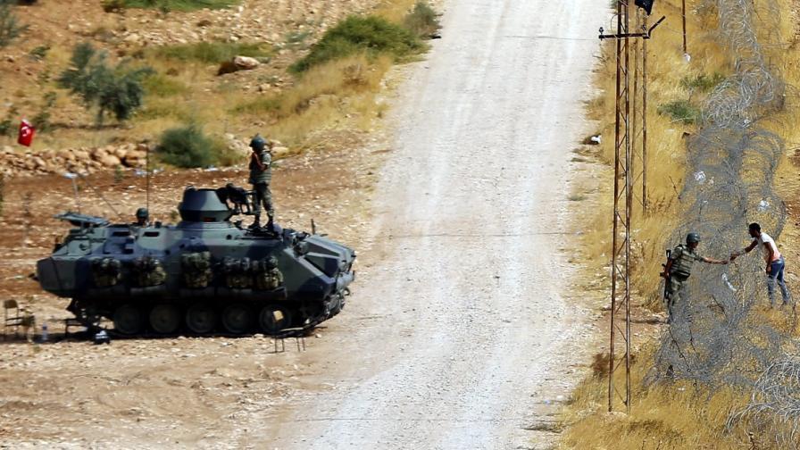Турция разположи танкове на границата със Сирия