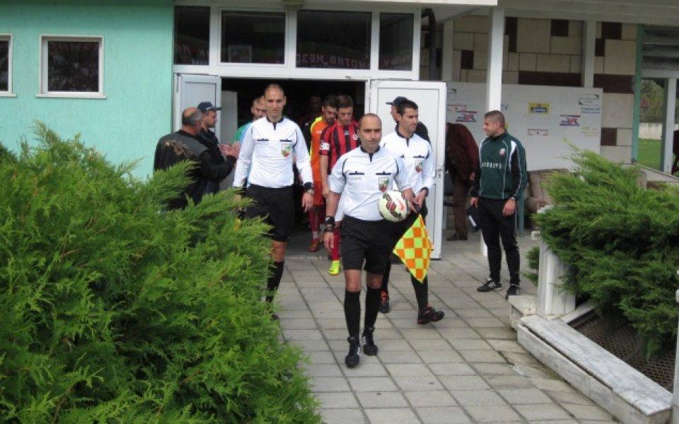 Ботев и Локомотив недоволни от Александър Костадинов
