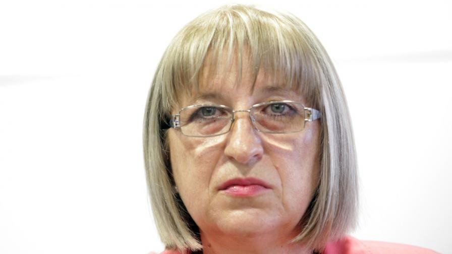 Цачева ще подаде оставка само ако Борисов поиска