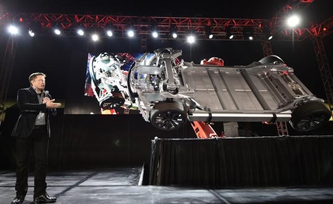 """""""Тесла Модел D"""" – D като """"два двигателя"""""""