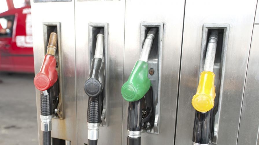 КЗК разследва седем вериги бензиностанции за картел