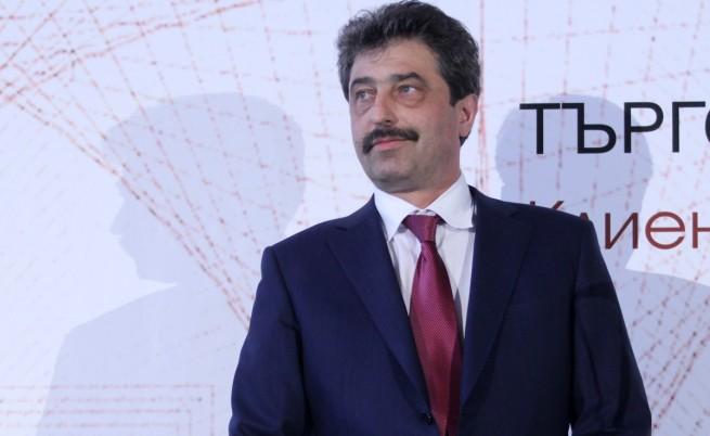 Цветан Василев: Подготвят източването на КТБ