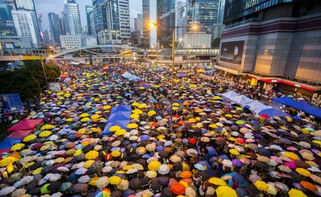 Протестите в Хонконг станаха на месец