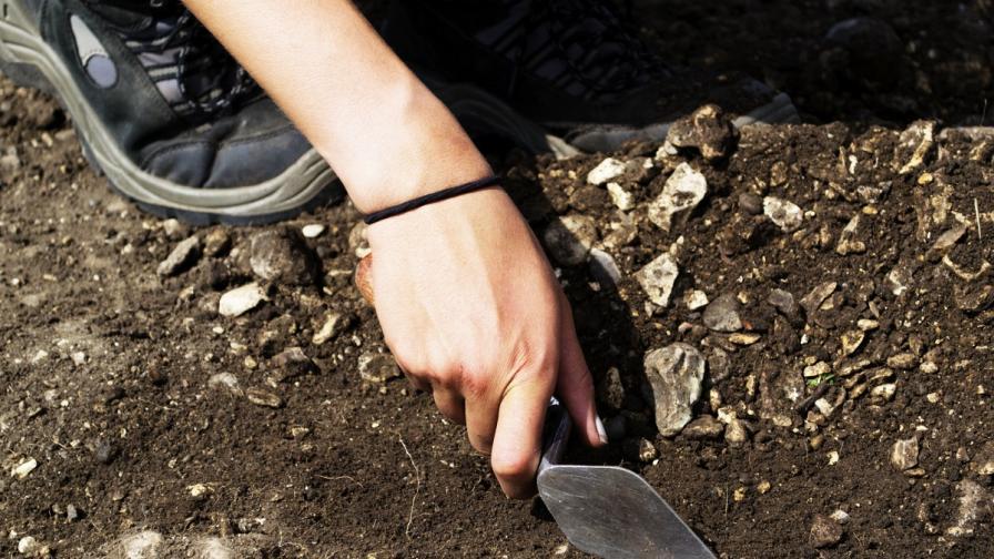Откриха некропол на римски град от II-III век в Поморие