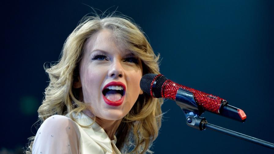 Суифт оглави британската класация за албуми