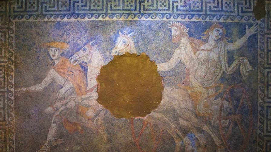 Мистерия обгръща древната гробница в Амфиполис