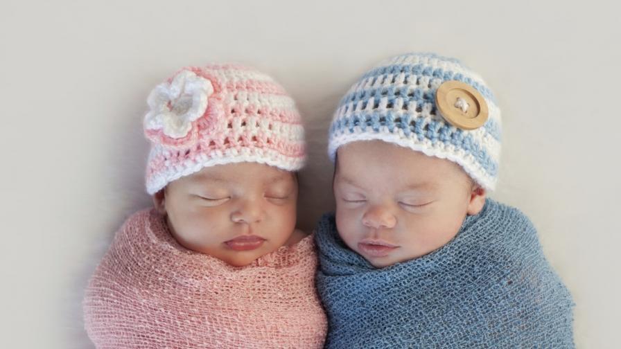 Защо е розово за момиче и синьо за момче?