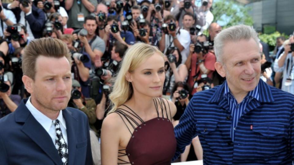 Юън Макгрегър, Даян Крюгер и Жан Пол Готие на тазгодишния кинофестивал в Кан, 16 май 2012 г.