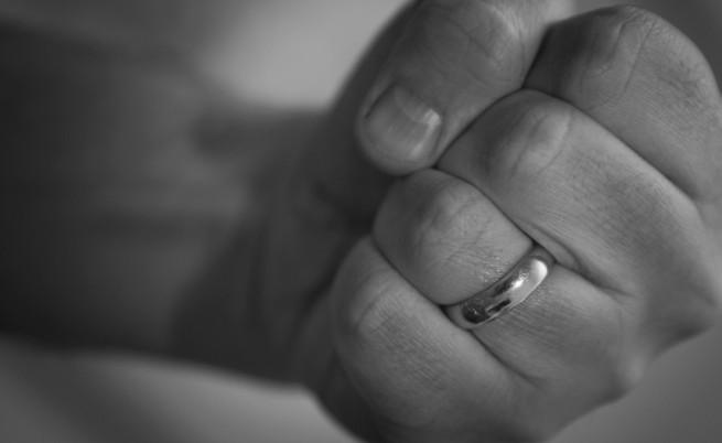 Момиче на 11 омъжено насила в Испания и изнасилвано
