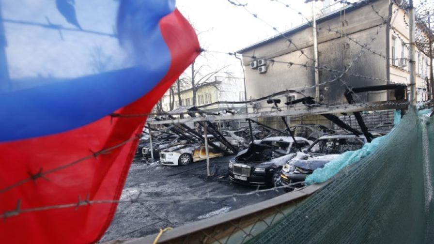 Луксозни автомобили за 2,61 млн. евро изгоряха в Москва
