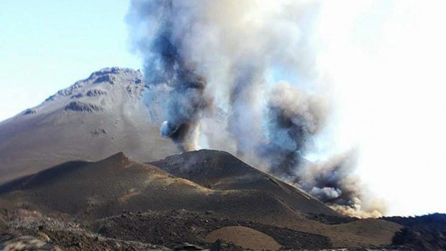 Вулкан в Кабо Верде изригна след 30-годишен сън