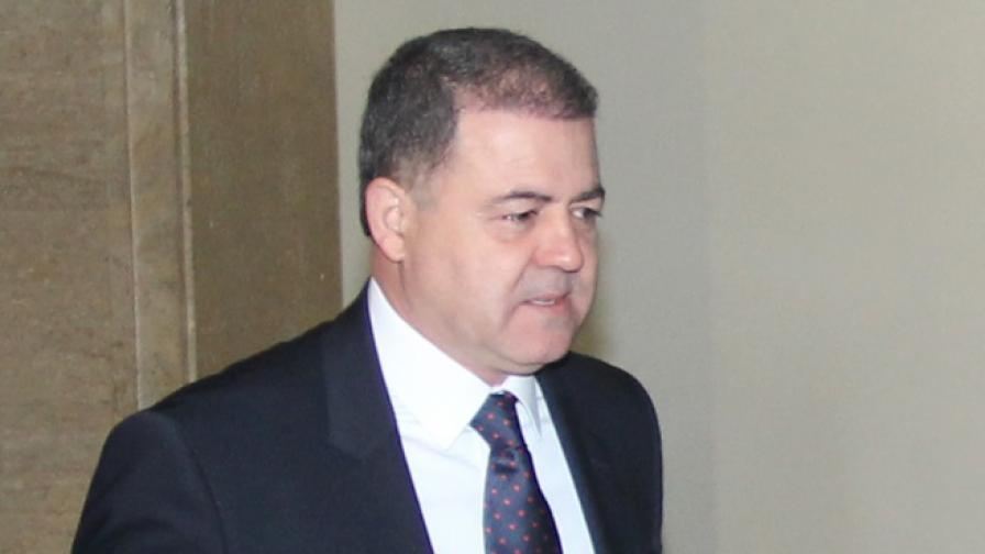 Министър Ненчев разпитан от прокурор