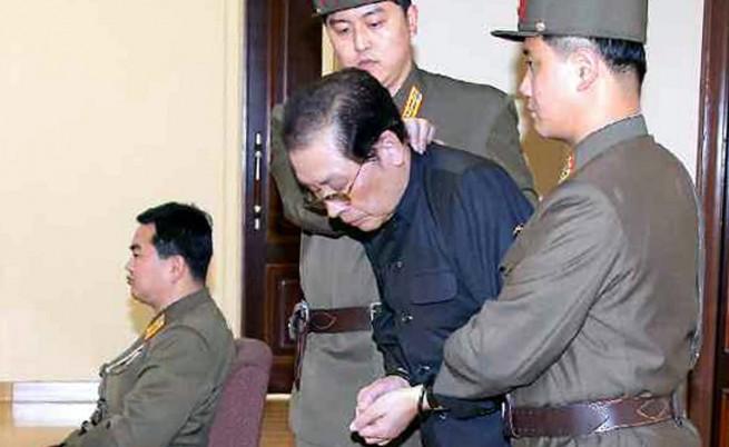 Лелята на Ким Чен-ун починала от инсулт, докато говорела с него