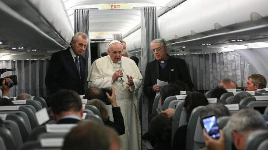 Папата призова мюсюлманските лидери да осъдят тероризма