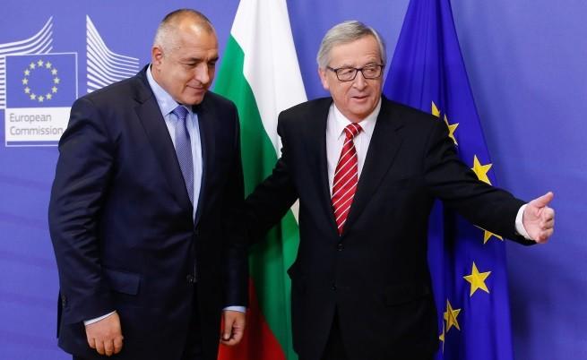 Юнкер: Не може да шантажират България