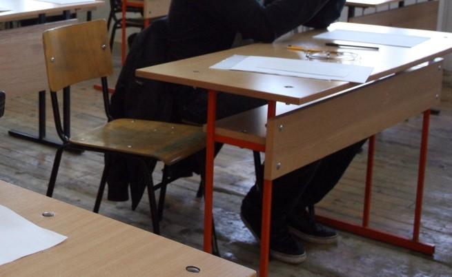 Оставка и цяло училище на бунт срещу един ученик