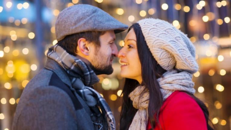 двойка връзка любов зима коледа щастие