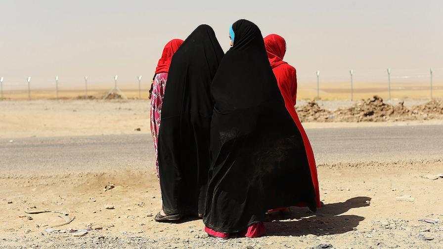 ИД екзекутирала 150 жени, отказали връзка с джихадисти